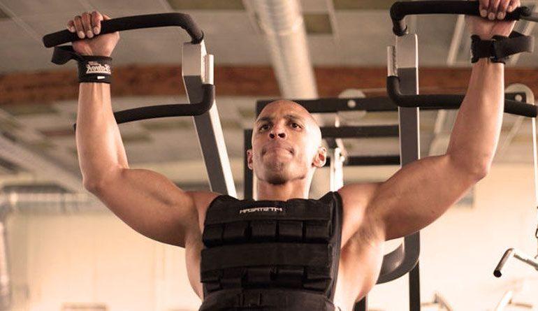 Tirare con pesi aggiuntivi – forza e peso